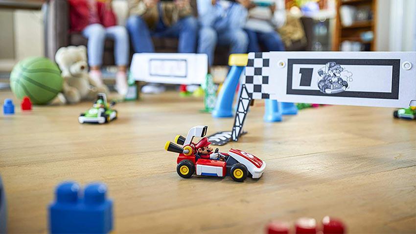 mario-kart-live-home-circuit-mario-set-1